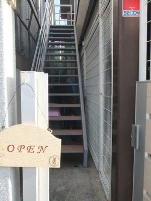 お店の階段の画像