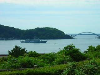 串本沖停泊中のトルコ軍艦TCGゲディズ