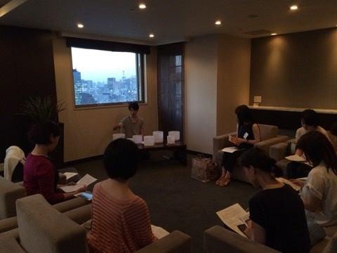 自力整体Tokyoの特別交流会でのマガリさんと皆さん
