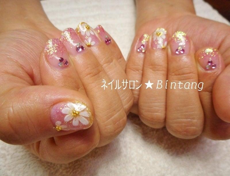 可愛い系 ピンク・お花・ガーベラネイル