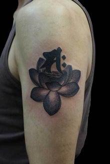 蓮 梵字 タトゥー TATTOO 刺青