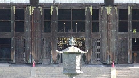 大仏殿の灯り
