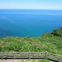 日本海は、エメラルド…