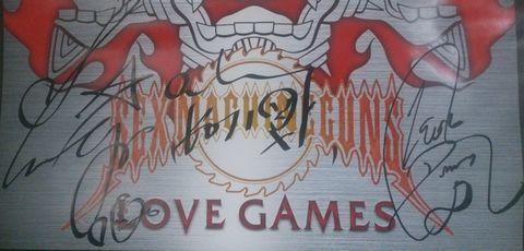LOVE GAMESのポスターのサイン