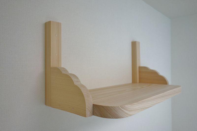 国産檜製の神棚板+雲形支柱(ダボ/桧木片埋め)