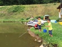 果樹園での魚釣り