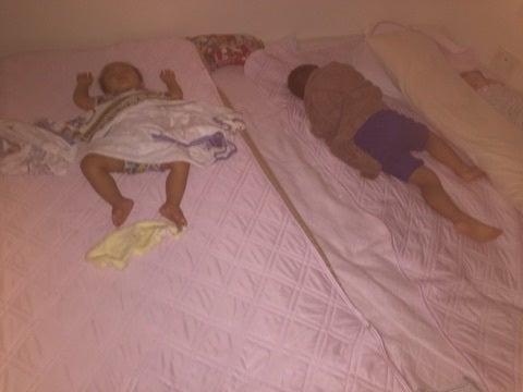 家族4人で寝るベッドの「快適なサイズ」と組み合 …