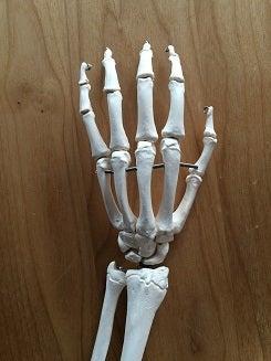 指は鍛えなくても動くよ!
