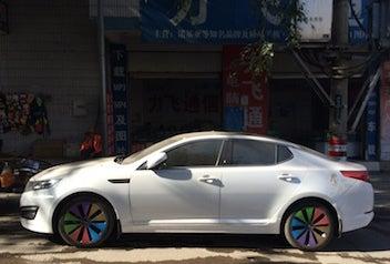自動車七色ホイール1