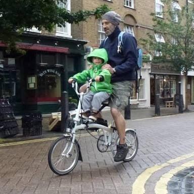 ブロンプトンで子供と輪行 バーレー チャイルドトレーラー ...
