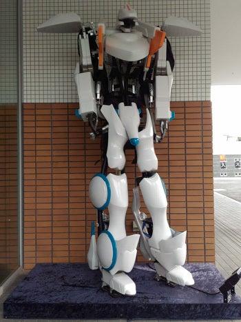 変なホテル 入り口付近にいるロボット