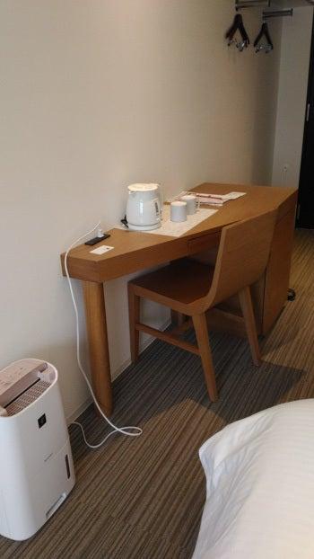 変なホテル 机など
