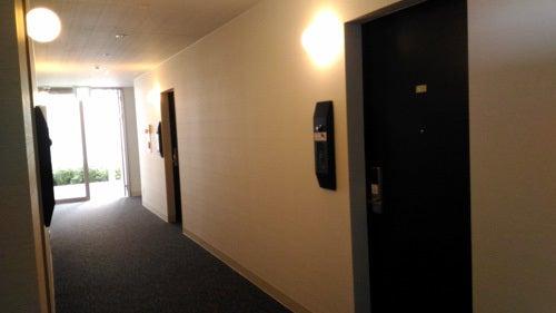 変なホテル 部屋の廊下