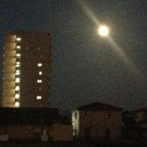 月がとっても青いから…
