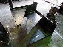 片持ち階段の鉄骨フレーム製作