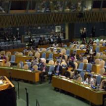 アベ首相が国連演説す…