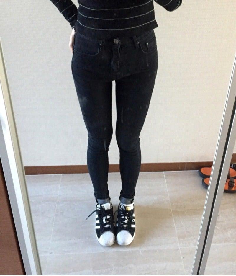 ,5kgジーンズ最高!ゴリ押しです!! いつも26インチを愛用、とにかく履き心地がとっても楽なのに脚もきれいに見せてくれてまさに探し求めていた理想のジーンズ♪