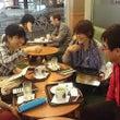カフェでミーティング…
