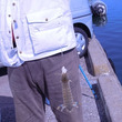 スタッフと釣りを楽し…
