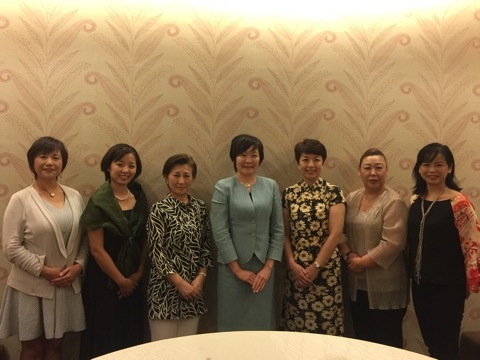 安倍昭恵総理夫人との対面が叶いました。 残席わずか!【12/12 - 14 告知】セルフリフレクソロジー講座&CROSSING座談会