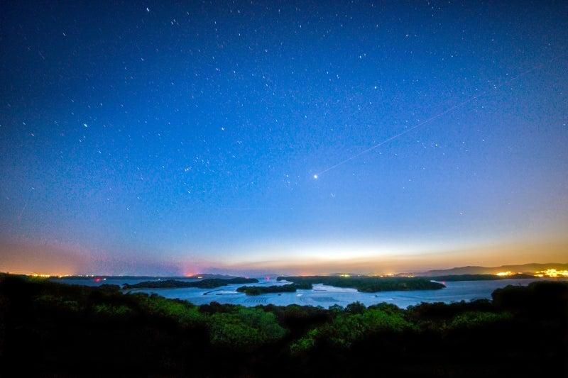 神秘的な星空