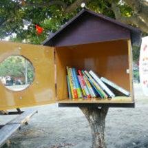 小さな図書館を作って…