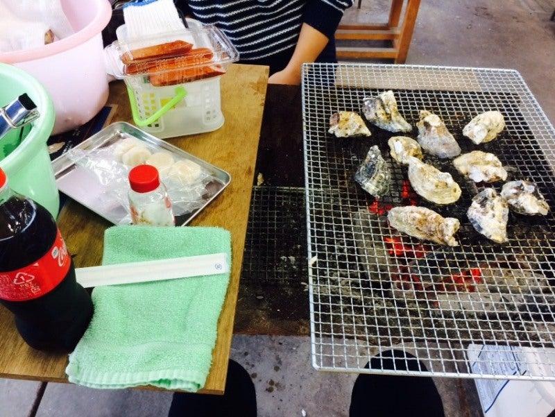 新門司 焼き喰い処 牡蠣小屋 テーブル