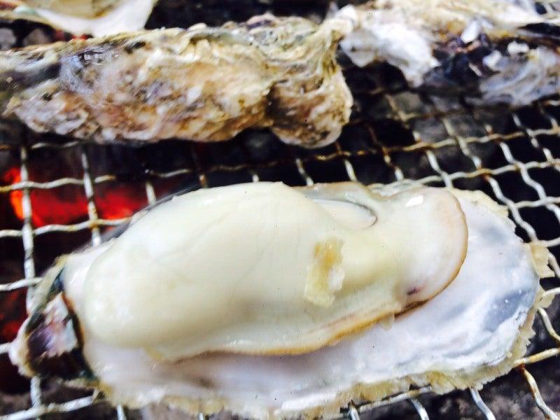 新門司 焼き喰い処 牡蠣小屋 大きな牡蠣