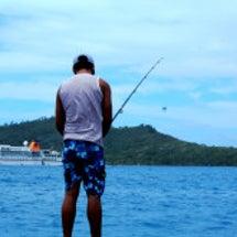 ボラボラ島で魚釣り …