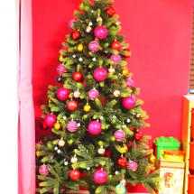 クリスマスの飾りつけ…