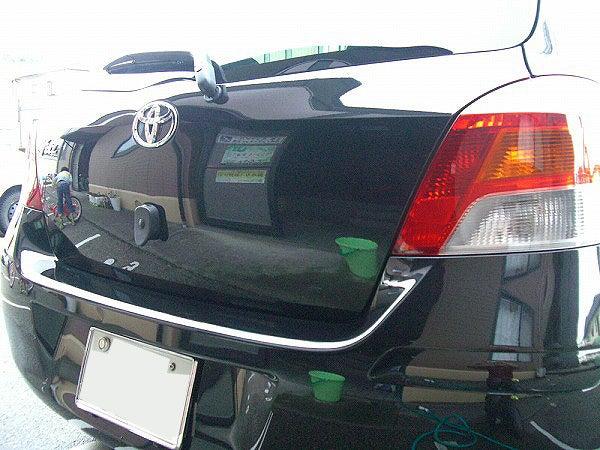 シャンプー洗車で汚れを落とし塗装はプレーンな状態