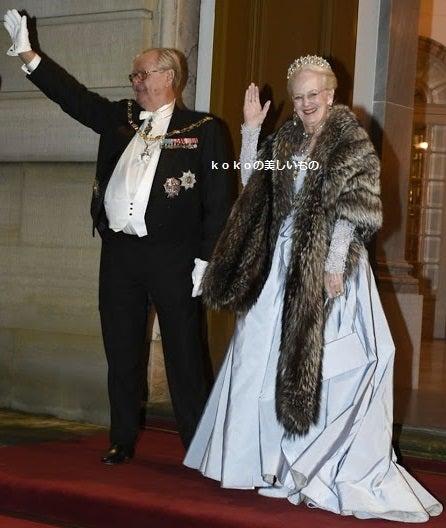 Paris-japon kokoの美しいもので美しくなるブログ^^*デンマーク王室メアリー妃 他の記事(20件)デンマーク王室メアリー王太子妃 家族写真 2015年2017年2018年デンマーク王室ティアラ tiara デンマーク王室ファミリー ティアラデンマーク王室メアリー王太子妃フレデリク王太子2018年New Year's Banquetデンマーク王室メアリー王太子妃フレデリク王太子2018年1月 NewYearreceptionsデンマーク王室メアリー妃 マリー妃2018年 New Year's receptionデンマーク王室マルグレーテ2世(デンマーク女王)ヘンリック殿下 (王配)2018年1月コスプレデンマーク王室双子ヴィンセント王子&ヨセフィーネ王女2018年1月7日7歳の誕生日デンマーク王室メアリー王太子妃(皇太子妃)2017年12月バカンスで水着デンマーク王室メアリー妃フレデリック王太子2017年10月来日皇居で天皇皇后両陛下と昼食日本皇室皇太子さまデンマーク公式訪問デンマーク王室メアリー妃2017年6月デンマーク王室メアリー妃フレデリク王太子2017年NewYear'sreception2デンマーク王室メアリー妃フレデリク王太子2017年NewYear'sreceptionバンケットデンマーク王室メアリー妃フレデリク王太子 New Years Reception 2016デンマーク王室メアリー妃ファッション ユニクロ UNIQLO ベスト 子供の上手な育て方のヒントデンマーク王室メアリー妃ウエディングドレス正装ロングドレス2004~2015愛される女性とはデンマーク王室ファミリー2015年7月メアリー妃フレデリック王太子子供たちデンマーク王室メアリー妃オランダ王室マキシマ妃デンマーク公式訪問2015年3月17日デンマーク王室バカンス 2015年2月 ファミリーでスイス スキーホリデーデンマーク王室メアリー妃2015年1月公式写真&ファッション コペンハーゲンファッションウイークデンマーク王室メアリー妃〔王太子妃)ファッション2014年9月フレデリク王太子カナダ公式訪問