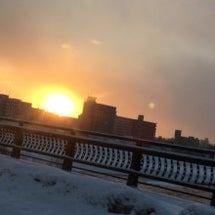 車窓からの日の出