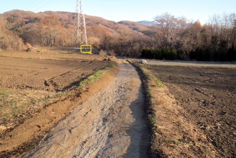 鎌原城⑧主郭方向
