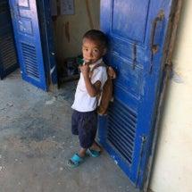 カンボジアの村の小学…