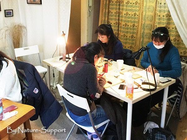 マクラメ編み教室-水晶ポイント包み編み初級編