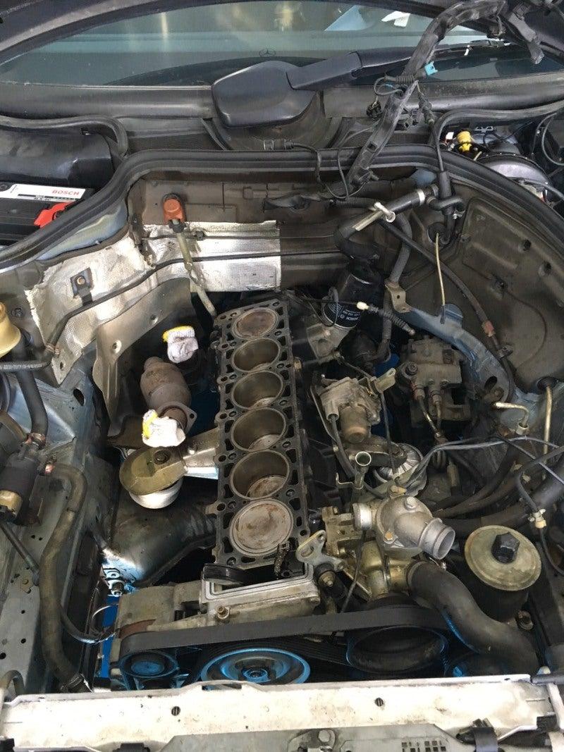ベンツW124エンジン