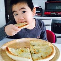 朝からピザ〜^_^