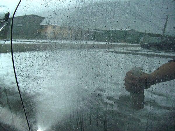 ボディーが濡れたまま施工できるガラスコーティング