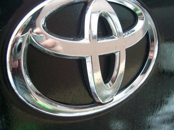 鉄粉除去剤は金属・メッキパーツにも使用可能