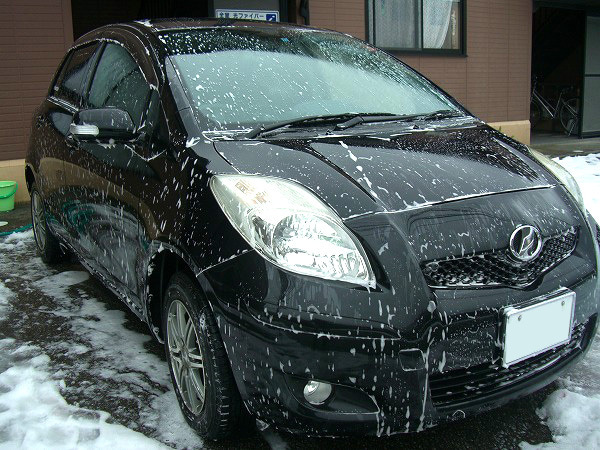 コーティング施工車専用シャンプーの泡で洗車