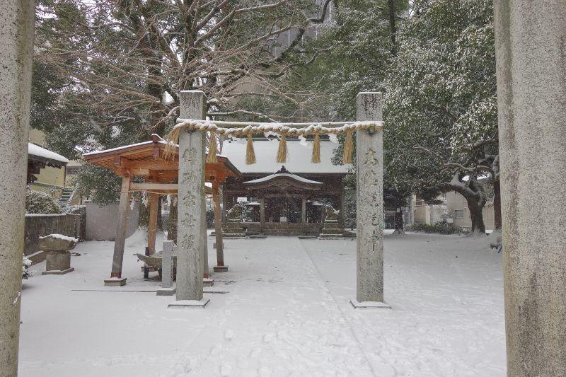 大雪に見舞われた白木原地禄神社