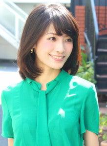 40代ヘアスタイルミディアムの女性に似合うパーマ