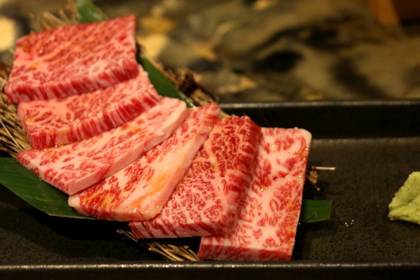 牛角 メニュー 黒毛和牛上カルビ 横浜関内店
