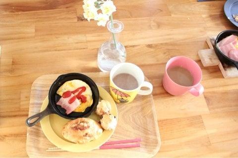朝食にピッタリ!クルミ生地とバターの香りが食欲を誘う…シナモンのシュガートップパンの画像12