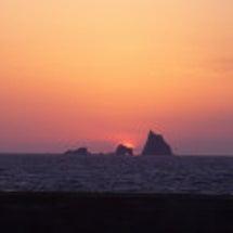 三本岳に沈む夕陽…