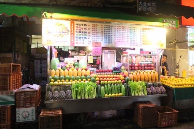 フルーツジュース店