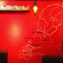 オランダカフェでパン…