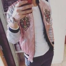 ピンクのスカジャン