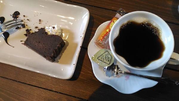 茶蔵庵房ブレンドとチョコケーキのセット